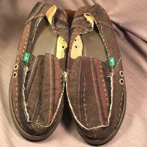 Sanuk NWOT loafers